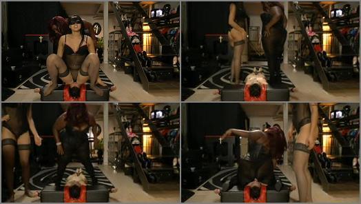 MISTRESS GAIA  SUPER ASS SMOTHERING   Madame Caramel preview