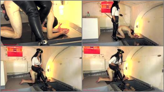 Mistress Ezada Sinn  Boot cleaning from the pit preview