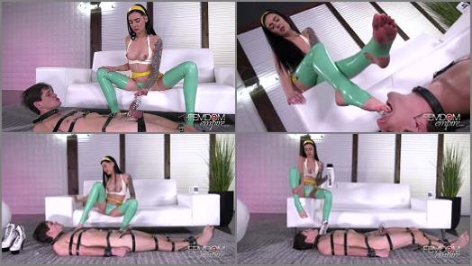 VICIOUS FEMDOM EMPIRE  Cruel Foot Service   Mistress Marley  preview