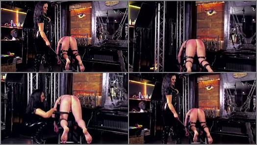 Mistress Ezada Sinn  Pain or chastity  preview