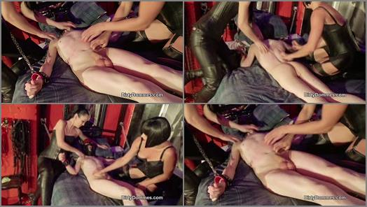 Dirty Dommes  Scratching our little wimp   Fetish Liza  preview
