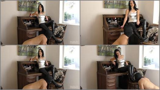 Young Goddess Kim  Desk Boot slave  preview