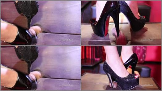 Mistress Iside  DOUBLE TORMENT FOR THE COCK   Mistress Eden  preview