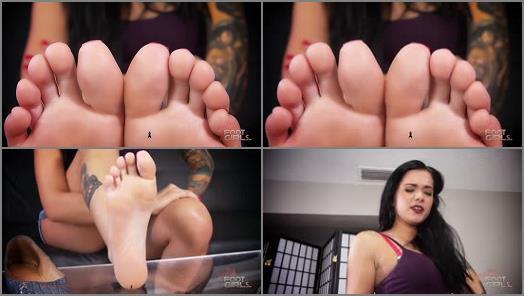 FOOT FETISH – Bratty Foot Girls – Maria Marley – Maria's Shrunken Classmate footslave SFX