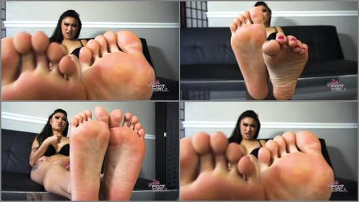 Nicole Oring Clips