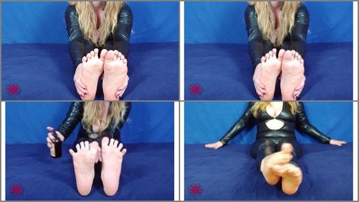 Dani Arcadia  worship danis feet preview