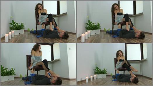 Dominant Femine  Karolina  Natural Feet Of Bare Feet Dancer preview