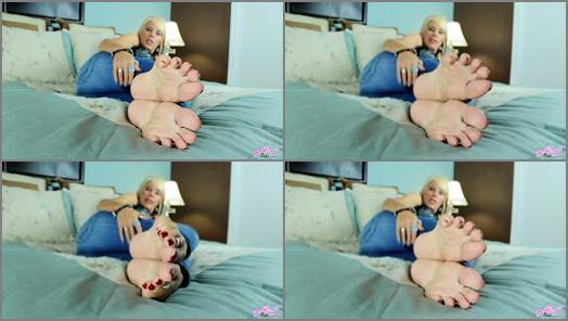 Erotic Nikki  Red Light Green Light preview