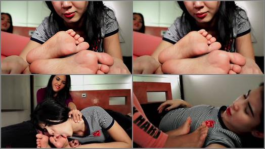 Foot Fetish Center  Apolonia Lady Dee  She didnt clean the kitchen She cleans her feet preview