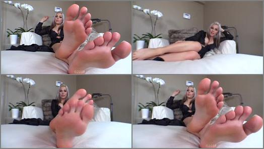 Goddess Jessica  Stupefied By Feet preview