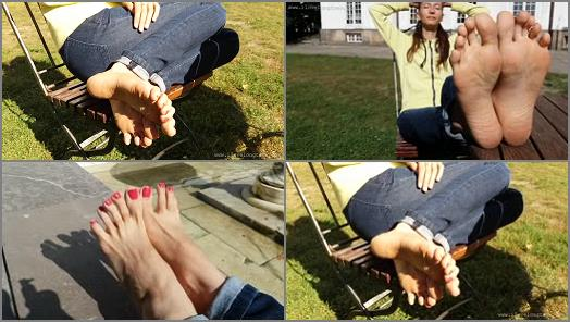 Toes fetish – I Love Long Toes – S?oneczny dzie? dla st?p (Sunny day for feet)