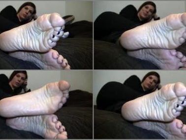 Wrinkled soles - Jody's Size 10.5 Candid Stinky Soles Part 13