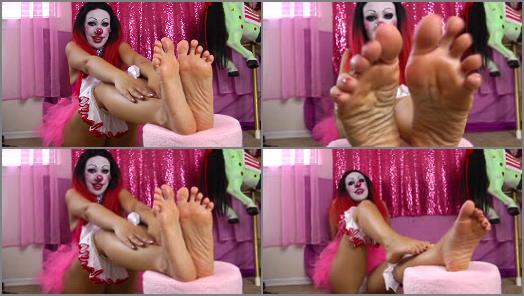 Legs – Kitzi Klown – Big Gorgeous Clown Feet