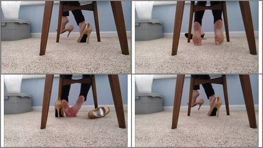Mo Rina  under my chair 2 preview
