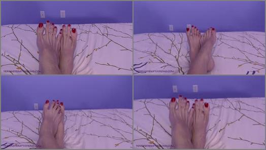 Big soles – Terra Mizu – Top of my giant feet – Mikayla Miles