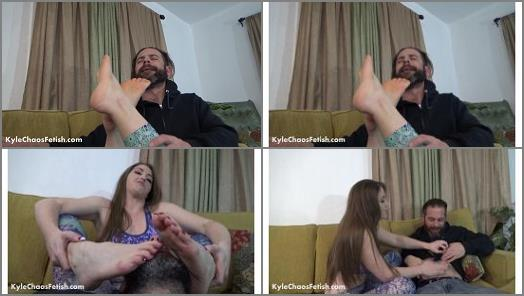 Terra Mizu stinky foot worship preview