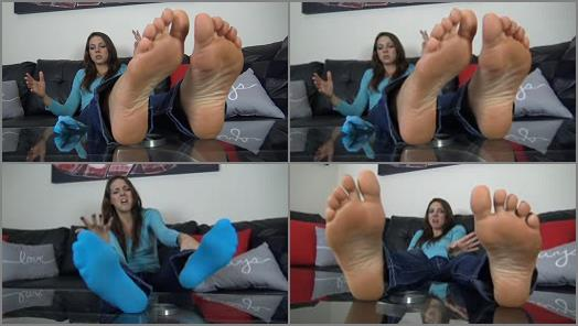 The Foot Fantasy  SADIE HOLMES SIZE 10 SWEATY and STINKY FEET preview