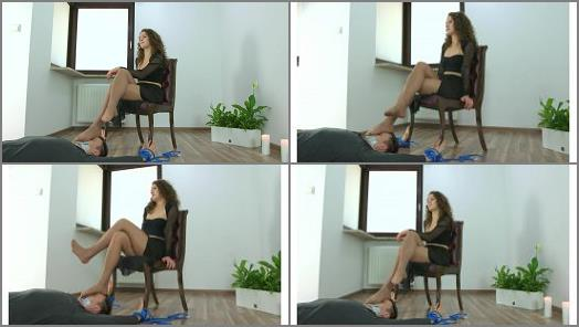 Polish Mistress  Karolina  Strong Dancers Legs On Your Face preview