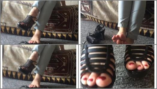 Rina Foxxy  tickling feet preview