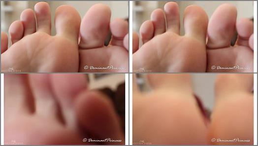 Dominant Princess  My Feet On Your Face preview