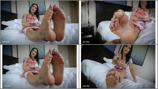 Raven Eve  Perfect Feet for Fetish preview