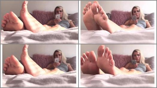 Goddess Luciex  Ignored By Goddess Pretty Little Feet  Foot Fetish preview