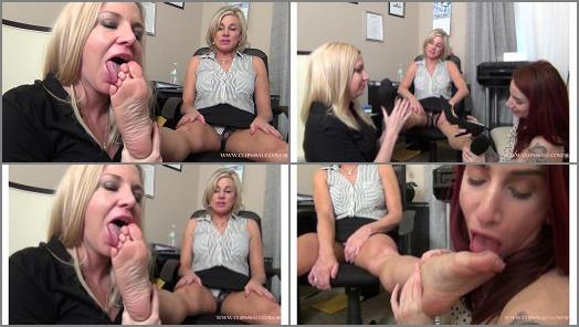 EXTREME FEET CLIPS  Worshipping Mature Feet For the Job preview