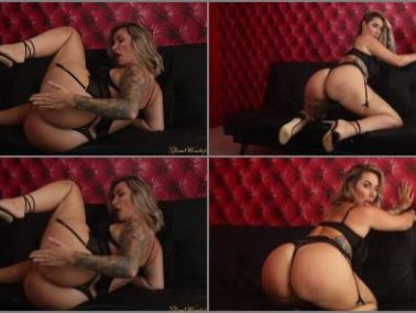 Goddess Worship -  Glam Worship – Ass Smother (Paige Turnah – Ass Fetish)