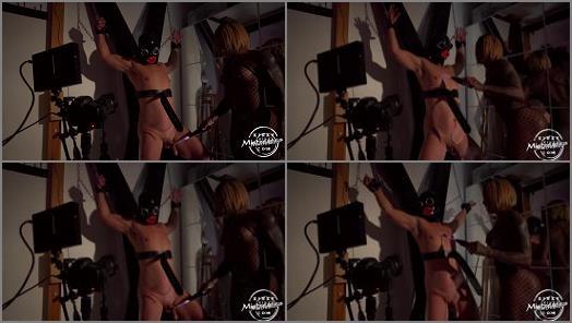 Kinky Mistresses  Real Electro Fun   Mistress Kiana  preview