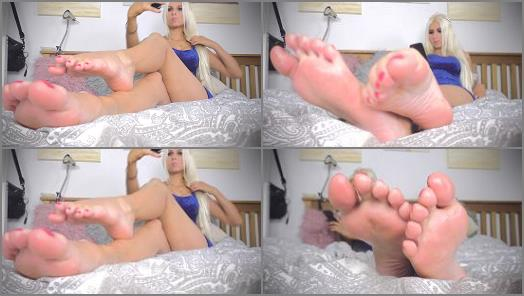 Sexy blonde princess  Down to feet igno preview