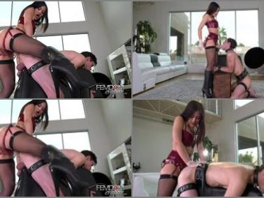 Online -  VICIOUS FEMDOM EMPIRE – Stretched Boy-Pussy -  Kendra Spade