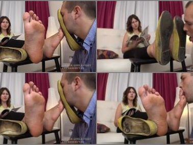 Foot domination - Sharon - Extreme Stink! Huge Feet Size 12