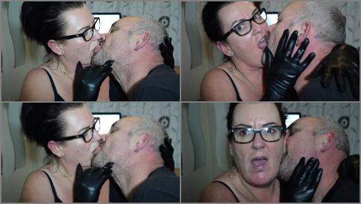 Temptress lady UK  FRENCH KISSING HIM TAKE 7  preview