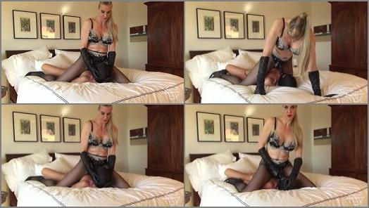 Kinky Mistresses  Cock Sucking With Goddess Severa  preview