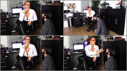 Beleidigung – 'Evil boss! Humiliation at work' of 'CHERIE NOIR – HARD AND UNCUT' studio