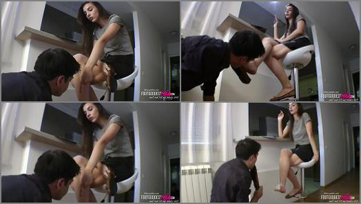 Foot Goddess Mia starring in video When Goddess Mia gets angry  part 1 preview