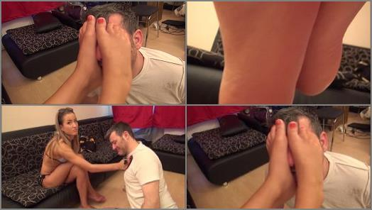 Foot submission – Footdominas – ARIEL – 'After Beach Fun' – Lick My Salty Feet Clean, Footslave! – Foot Worship And Footdom