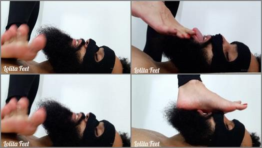 Foot slave training – LOLITA FEET – Footworship – Red Nails