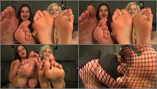 Nylon – Sarah DiAvola, Miss Quin – Grovel At The Feet