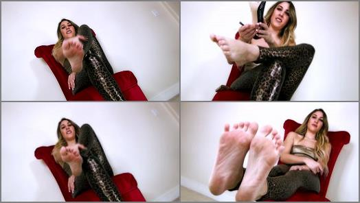 Barefoot – Serve Skylar – Sweaty Skylar Feet