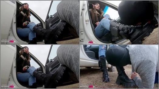 Femdomboot –   'Stop that car slut – part 1 (English Language)' of 'Foot Goddess Mia' studio