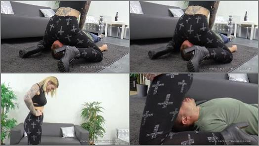 Ass Smothering – Thight pants facesit – Face sitting