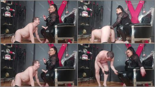 Leather Fetish – Bizarre Goddesses – BBW Mistress AIDAA hand and foot fisting and huge strapon fucking
