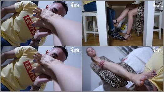 Online – Czech Soles – Anniversary foot worship surprise