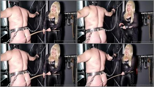 Red Ass – Mistress Patricica – He has earned it