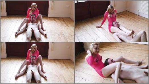 Female Domination – Sophie Shox starring in video 'Running With Scissors'