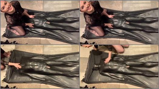 Bondage – Goddess Gynarchy – Slave in Bag Breath control
